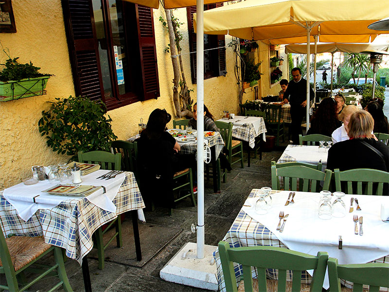 "Athen: Restaurant ""Zorbas"" im Altstadtviertel Plaka"