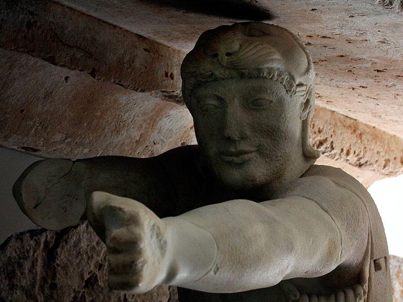 Der trojanische Bogenschütze vom Westgiebel, vermutlich Paris.