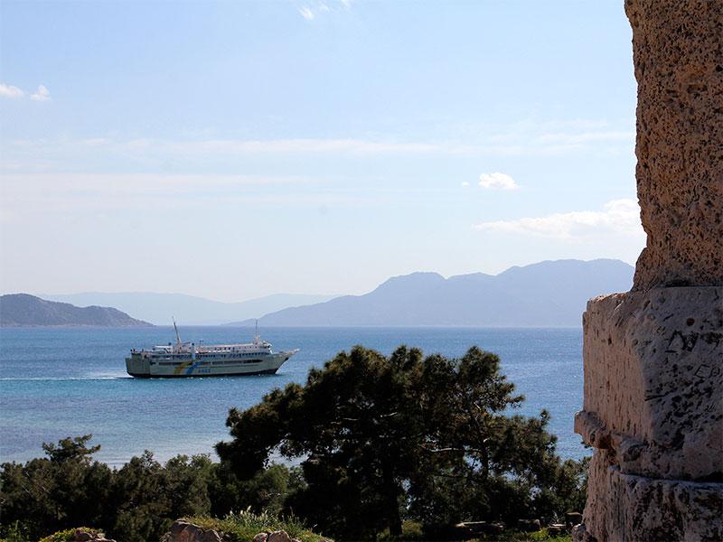 Gemütlich, griechisch und günstig auf die Insel Ägina: Mit der Agios Nektarios Aiginas