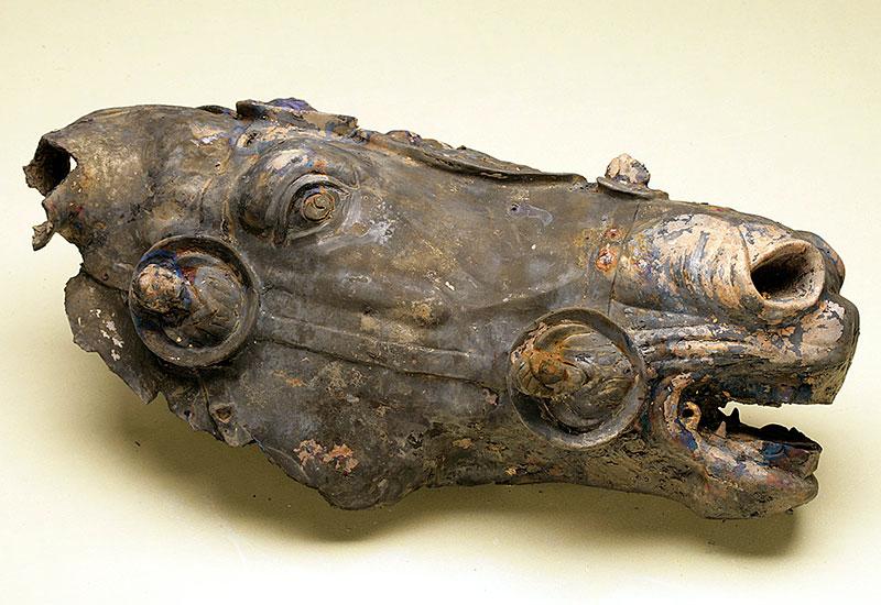 Marken: Archäologische Entdeckungsreise an der Via Flaminia - Pferdekopf Waldgirmes