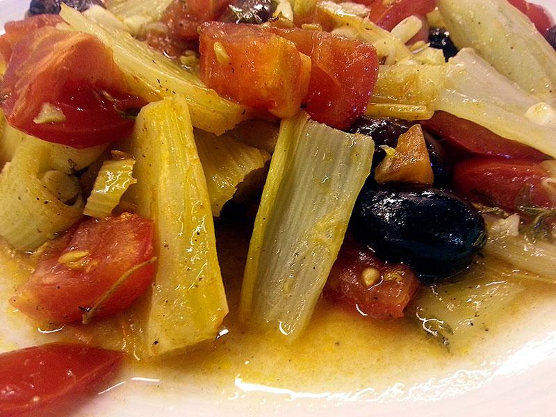 Warst Du schon einmal im Fenouillèdes? Fenchel, Tomaten, Oliven im Ofen