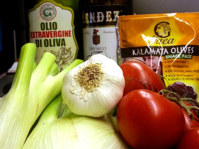 Die Zutaten: Fenchel, Tomaten und Oliven