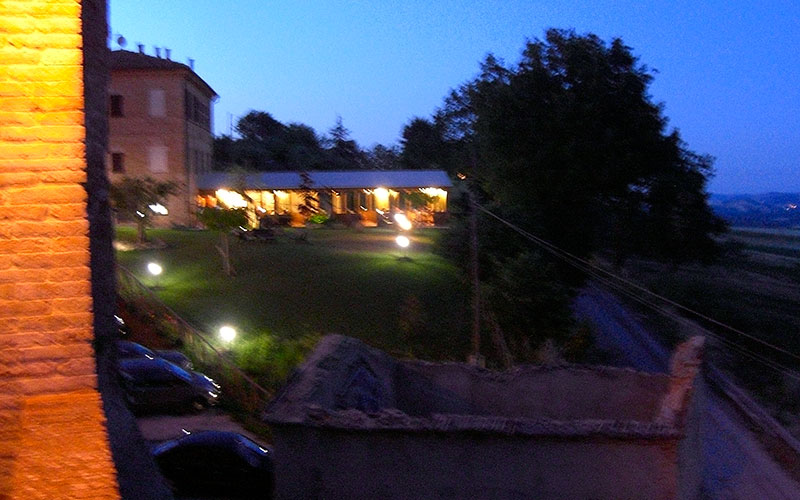 Nach dem Abendessen noch eine Runde durch Loretello.