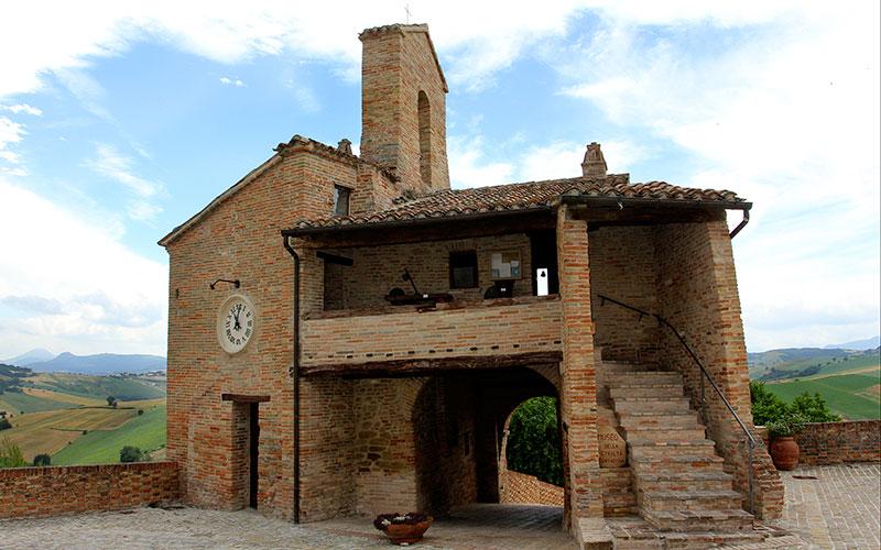 In dieser Stadtturm-Kapelle ist das kleine Heimatmuseum untergebracht.