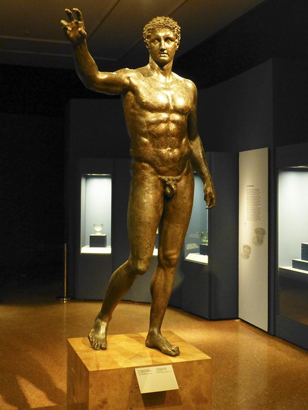 Außergewöhnlich schöne Statue des Paris (oder Perseus) aus Bronze.