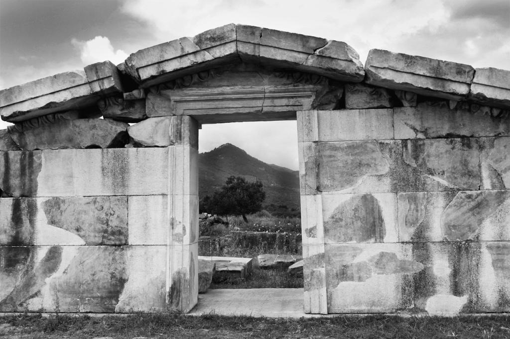 Türkei: Tempelgiebel in Magnesia