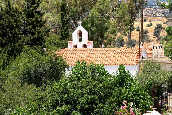 Die Dorfkirche von Listaros.