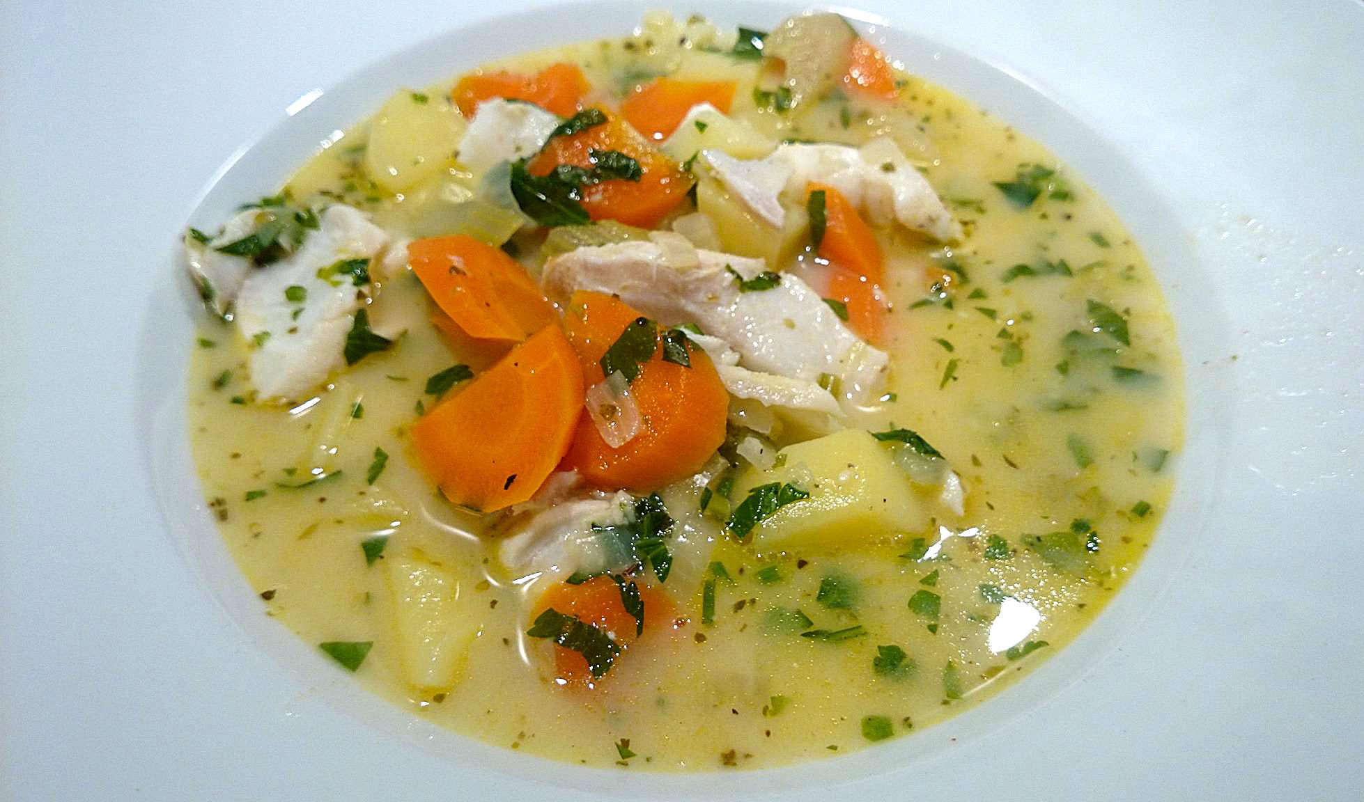Griechische Fischsuppe mit Eier-Zitronen-Sauce - Psarosoupa avgolemono