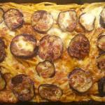 Makkaroni-Auflauf mit Auberginen und Mozzarella