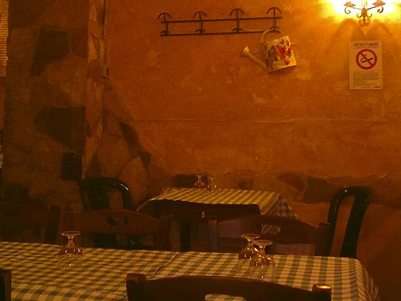 Im Ivo könnt schwebt noch immer die Atmosphäre des Roms der 60er-Jahre.