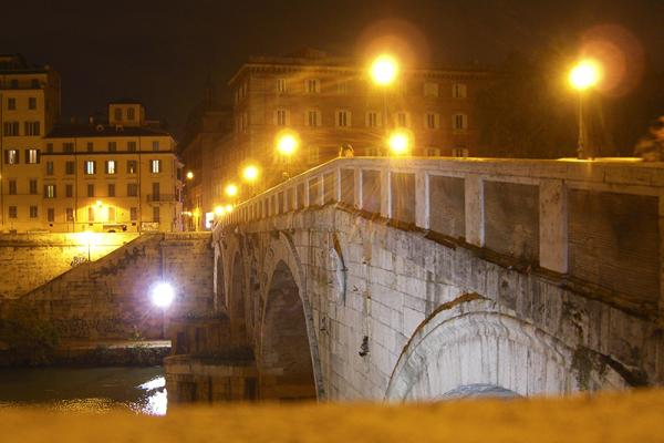 Der Ponte Sisto ist heute Fußgängerbrücke und das Tor vom Marsfeld hinüber nach Trastevere.