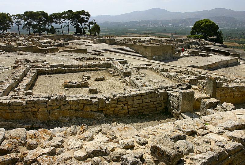 Das Palastgelände von Phaistos in der Messaraebene im Süden Kretas.