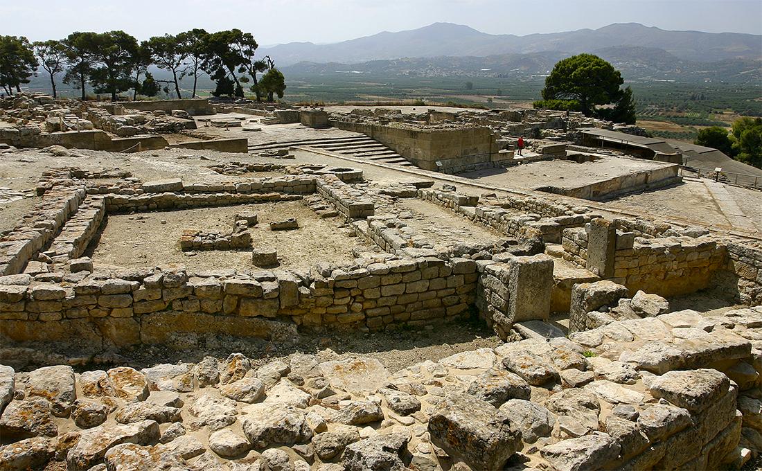 phaistos uebersicht Der Palast von Phaistos bildet mit Agia Triada das beeindruckendste minoische Zeugnis in der Messara-Ebene im Süden der Insel Kreta.