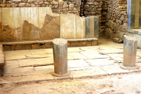 Die Gemächer der Königin die Wandverkleidung besteht aus Alabasterplatten.