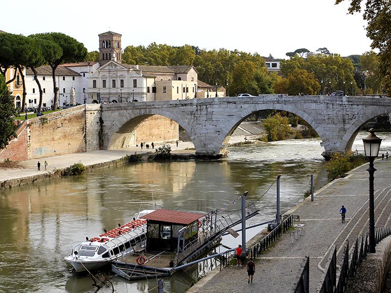 Die Tiberinsel ist von zentraler Bedeutung für Rom und war einer der wichtigsten Faktoren für die Entstehung der Stadt.