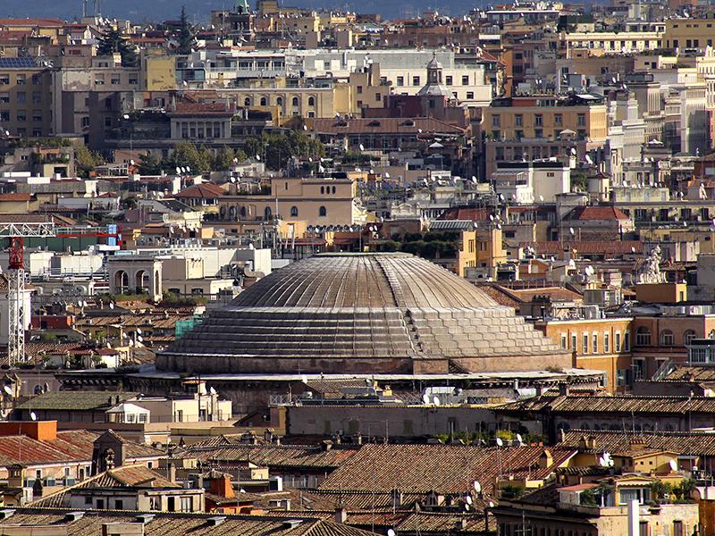 Die mächtige Kuppel den Pantheons.