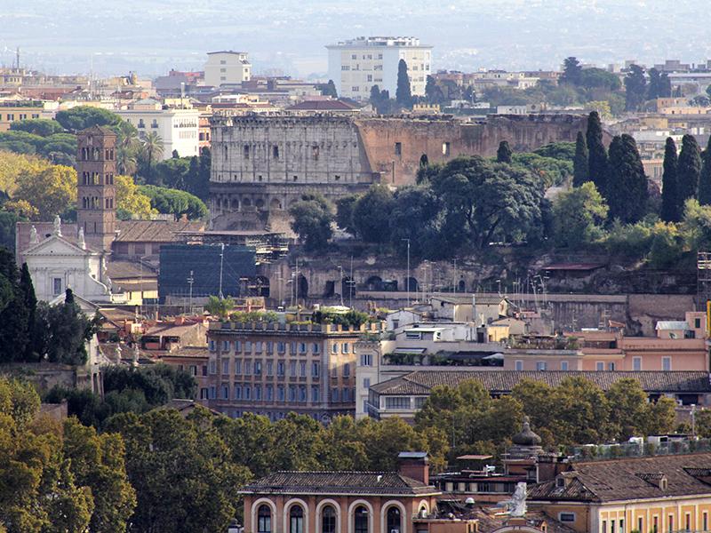 Das Wahrzeichen Roms - das Kolosseum.