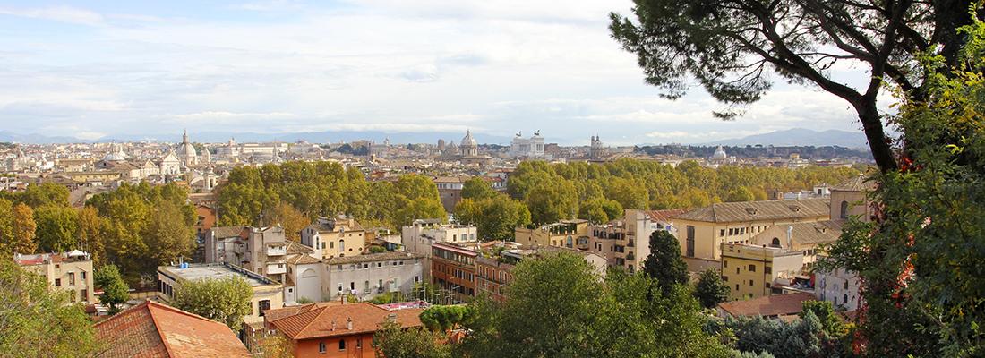 Den vielleicht spektakulärsten Blick über Rom verdient man sich, indem man den Gianicolo hinaufsteigt – den Hügel, der sich in Trastevere beginnend wie ein Riegel bis zum Vatikan schiebt.