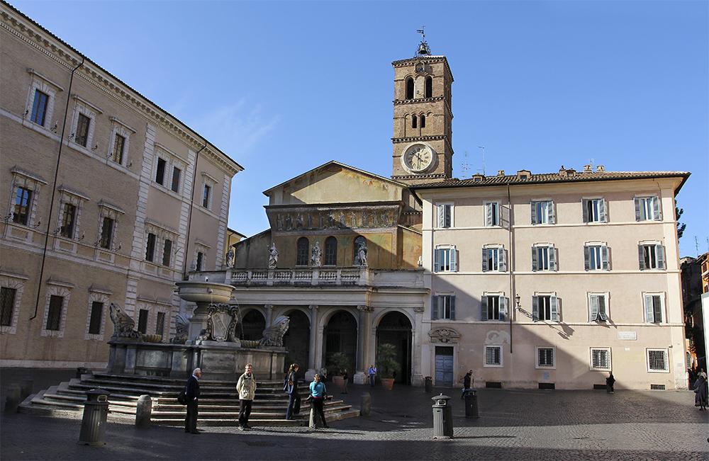 Die Piazza Santa Maria in Trastevere zählt zu den malerischten Plätzen der Stadt.