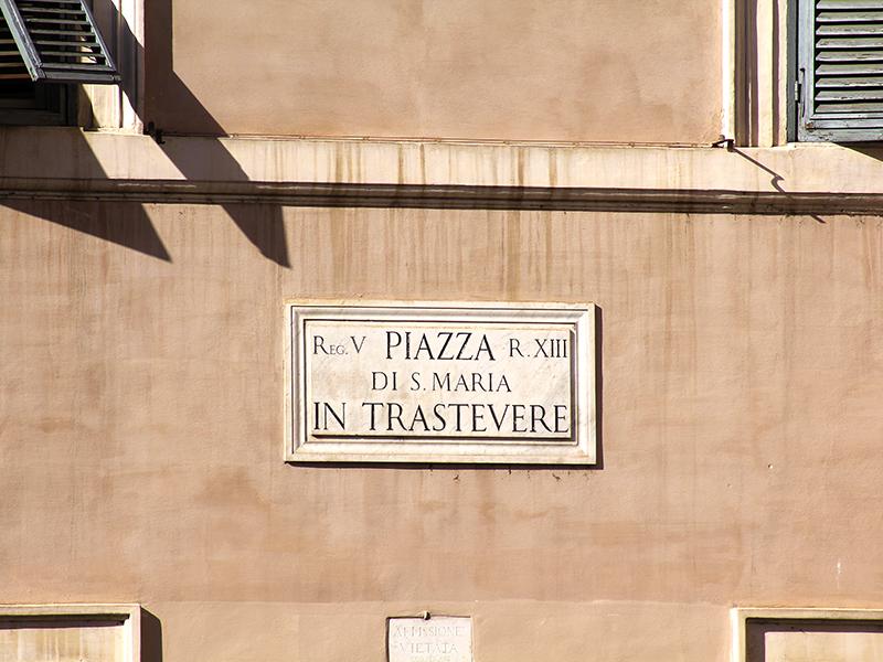 Zentrum von Trastevere - der Kirchplatz.