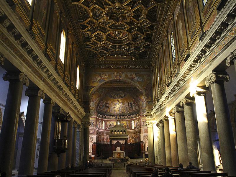 Santa Maria in Trastevere: Ihr größter Schatz die Mosaiken im Inneren der Basilika.