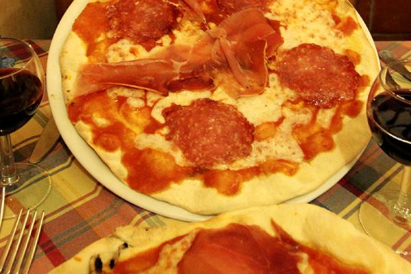 Pizza Prociutto e Salami für 5 Euro!