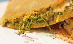 reise-zikaden.de, Calzone Lucana mit Mangold-Olivenfüllung aus