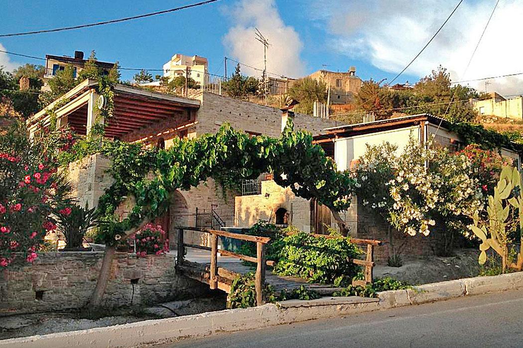 Original kretische Küche im Süden der Insel: Die Taverna Kelari, in Kamilari auf Kreta