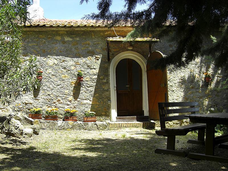 Der Eingang, ein bisschen wie eine Kapelle...
