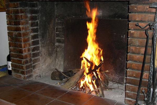 Ein Feuer im Kamin musste sein.