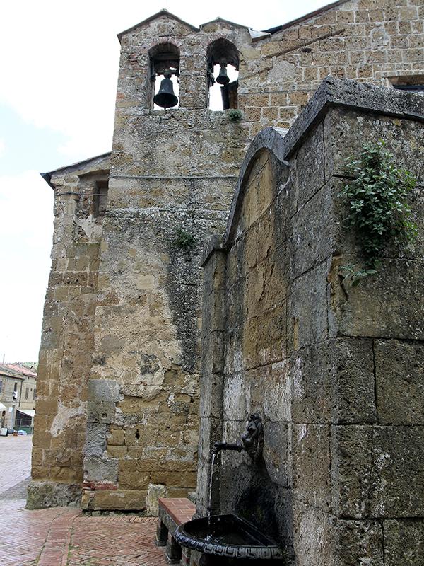 die Kirche Santa Maria aus dem 12. Jahrhundert