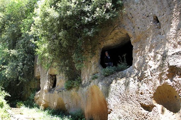 Diese Nekropole liegt direkt unter dem Dom von Sovana.