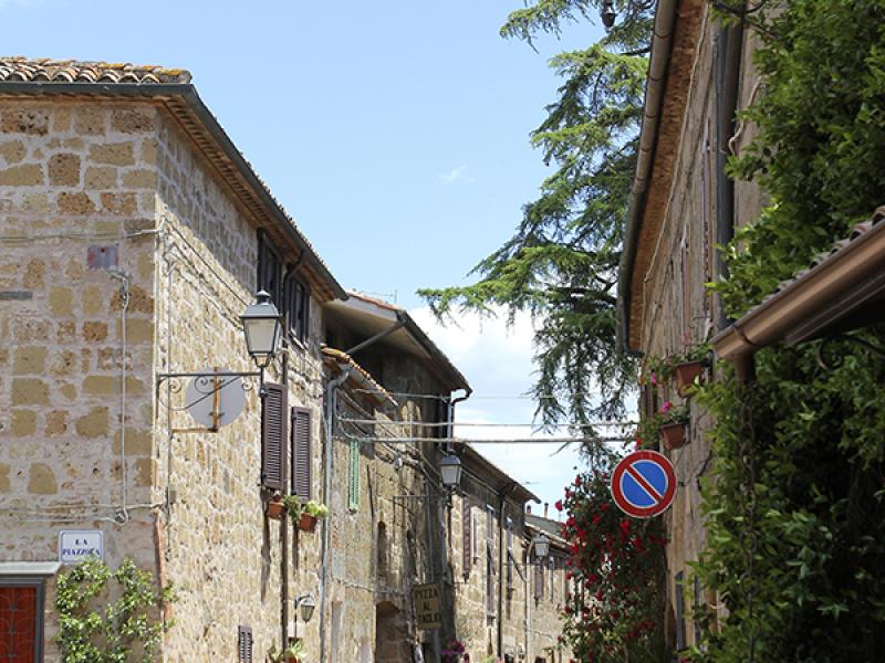 Schöne Häuser an der Via del Duomo.