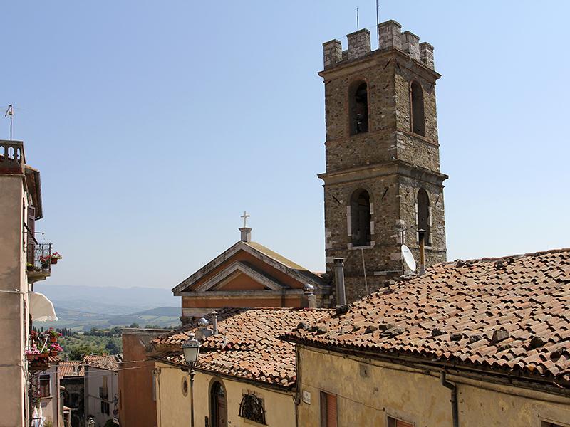 Die Kirche Chiesa di San Leonardo von Manciano.