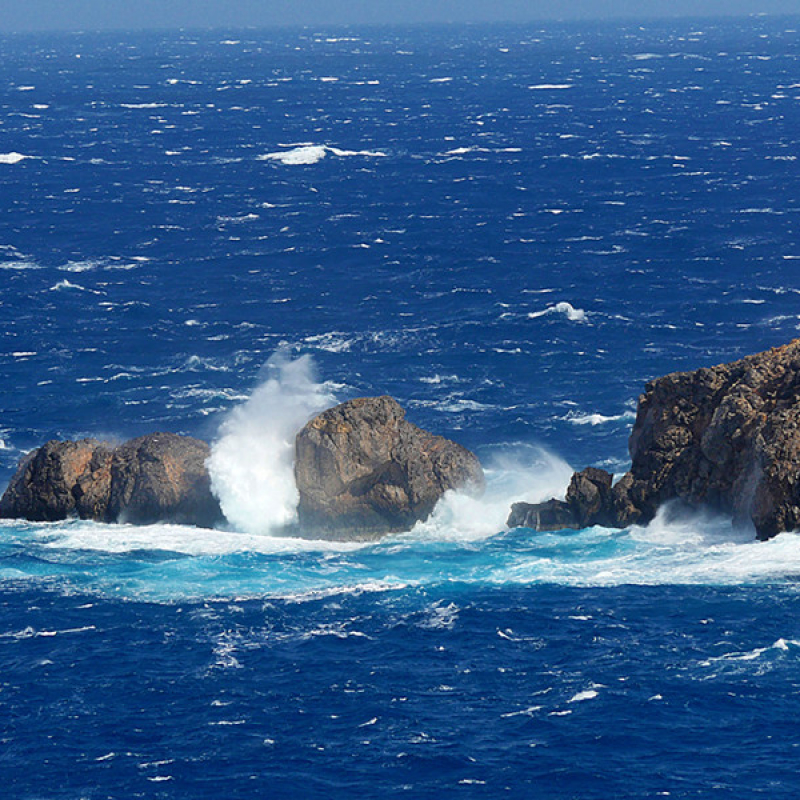 Das Meer von Antikythera ist rauh und macht die Arbeiten am Wrack nicht einfach.
