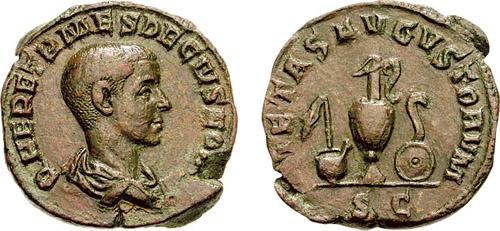 Sestertius_Herennius_Etruscus-s2749 Römische Bronzemünze (Sesterz), die den Kaiser Herennius Etruscus darstellt, auf der Rückseite mehrere Auguralinstrumente. Links: Schöpfkelle über Gießkanne, Mitte: Wasserkrug. Rechts: Krummstab über flacher Opferschale. Foto: Wikipedia