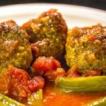 reise-zikaden.de, Izmir Köfte mit Tomatensauce aus dem Ofen –