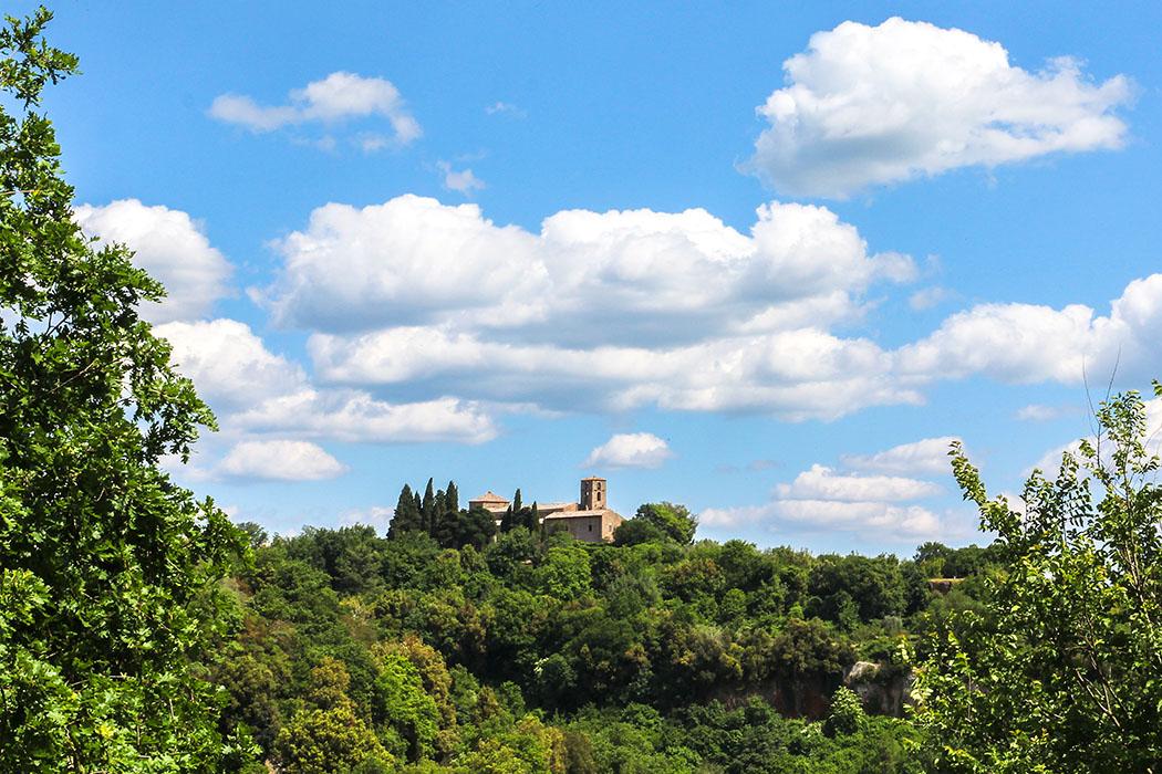 reise-zikaden.de, Monika Hoffmann, italy, tuscany, alta maremma, - Sovana in der Alta Maremma im Süden der Toskana liegt auf einem Tuffsteinplateau hoch über dem Fioratal.
