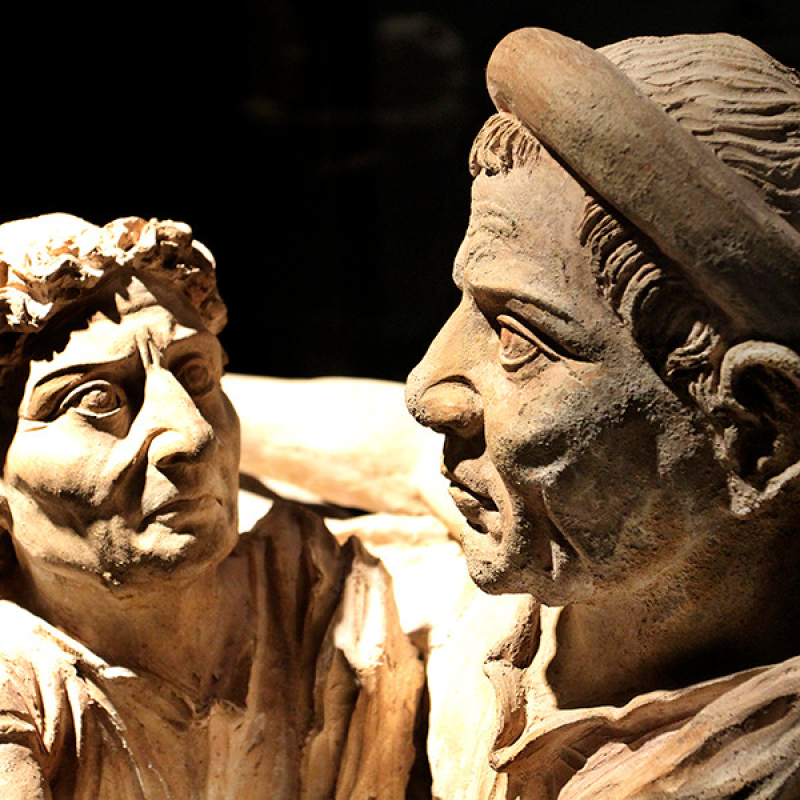Charakterdarstellung eines Ehepaars aus Terrakotta, 1. Jdh. v. Chr., aus Volterra.