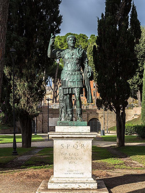 Publius Aelius Hadrianus (Titulatur als Kaiser: Imperator Caesar Traianus Hadrianus Augustus; * 24. Januar 76 in Italica bei Sevilla, † 10. Juli 138 in Baiae) war der vierzehnte römische Kaiser. Er regierte von 117 bis zu seinem Tod.