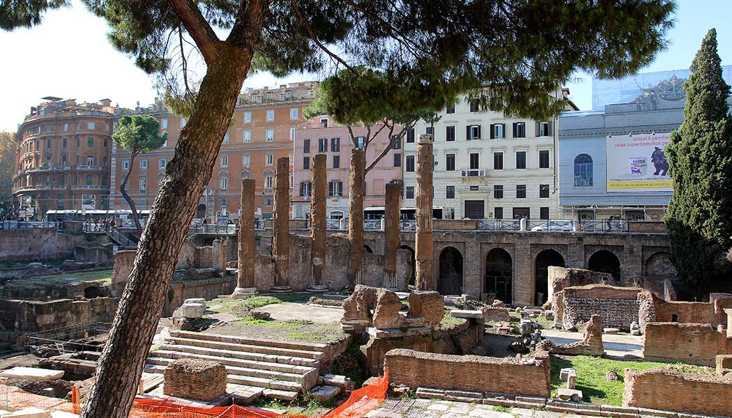 Marsfeld in Rom, Largo Argentina ein besonderes Flair. Die Tempel der Area Sacra zählen zu den ältesten antiken Monumenten Roms.