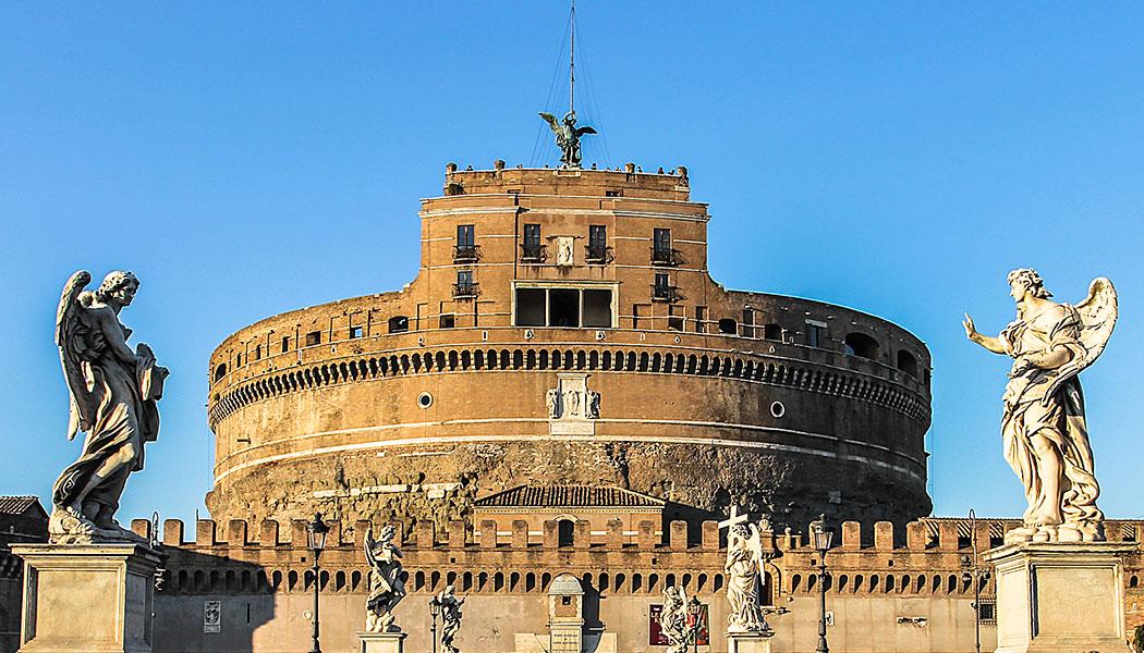 Städtereise Rom: Vom Marsfeld bis zur Engelsburg Highlights in Rom: Pantheon, Piazza Navona, Engelsburg Castel Sant'Angelo, das Grabmal Kaiser Hadrians, mit Museum in den Innenräumen.