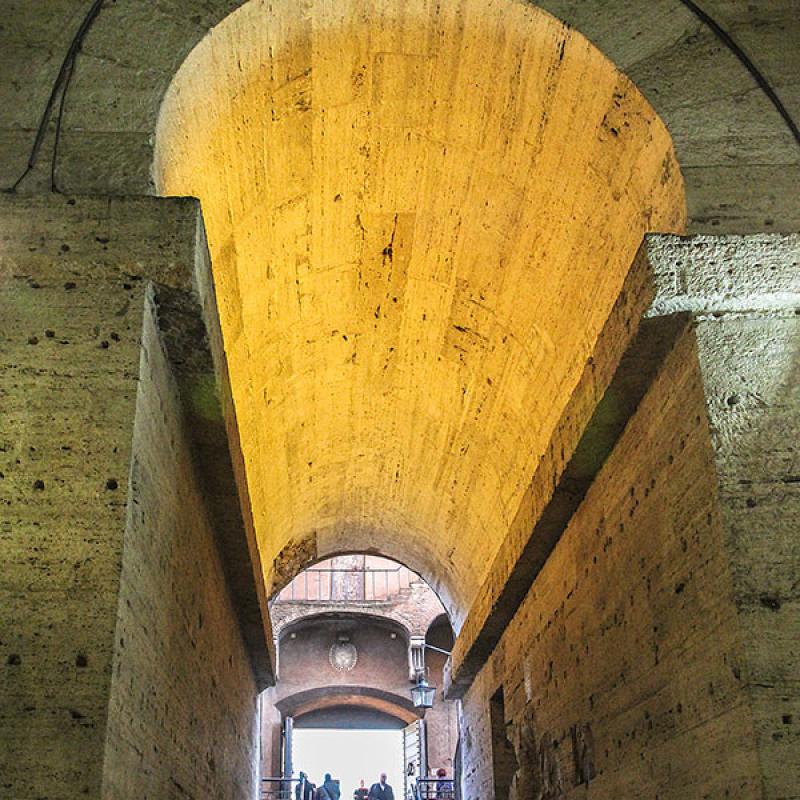 Die antiken Gewölbe sind hervorragend erhalten.
