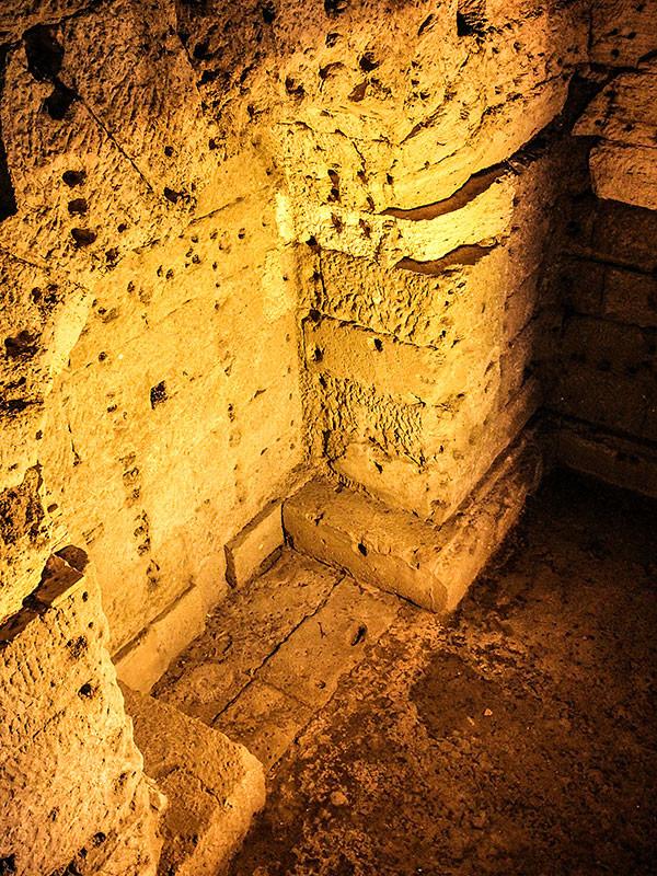In der Mitte des Mausoleums befindet sich die Grabkammer Hadrians und seiner Familie.