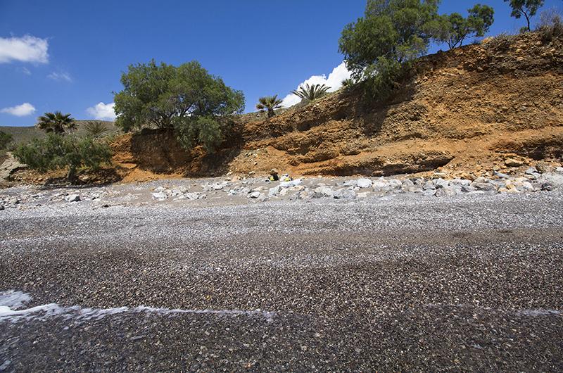 Sanft wogen die Wellen ans Ufer.