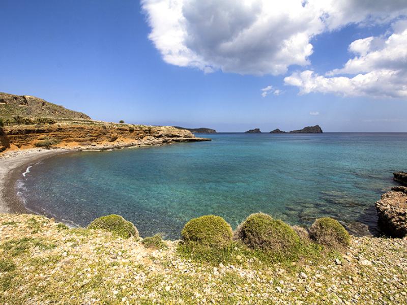 Wie ein kleines Paradies wirkt der Strand von Ligias Lakkos.
