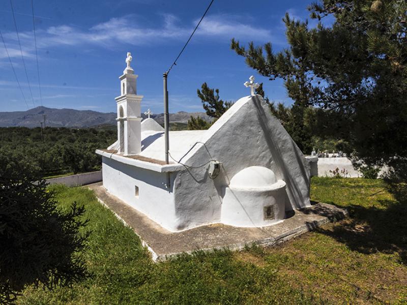Blick von Agios Ioannis auf die idyllische Landschaft.