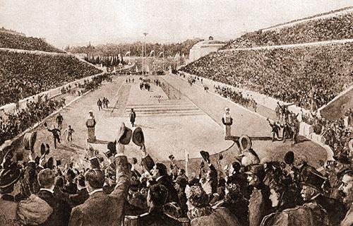 Olympische Spiele 1896: Der Athener Langstreckenläufer Spyridon Louis läuft ins Panathinaiko-Stadion ein. Er war der erste Sieger des eigens für die Olympiade in Athen kreierten Marathonlaufs.
