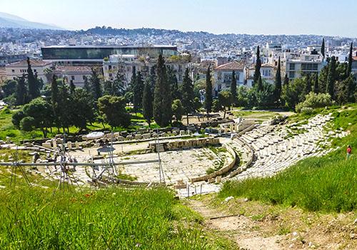 Das Dionysos-Theater am Südhang der Akropolis, es gilt als Geburtsstätte der griechischen Tragödie.