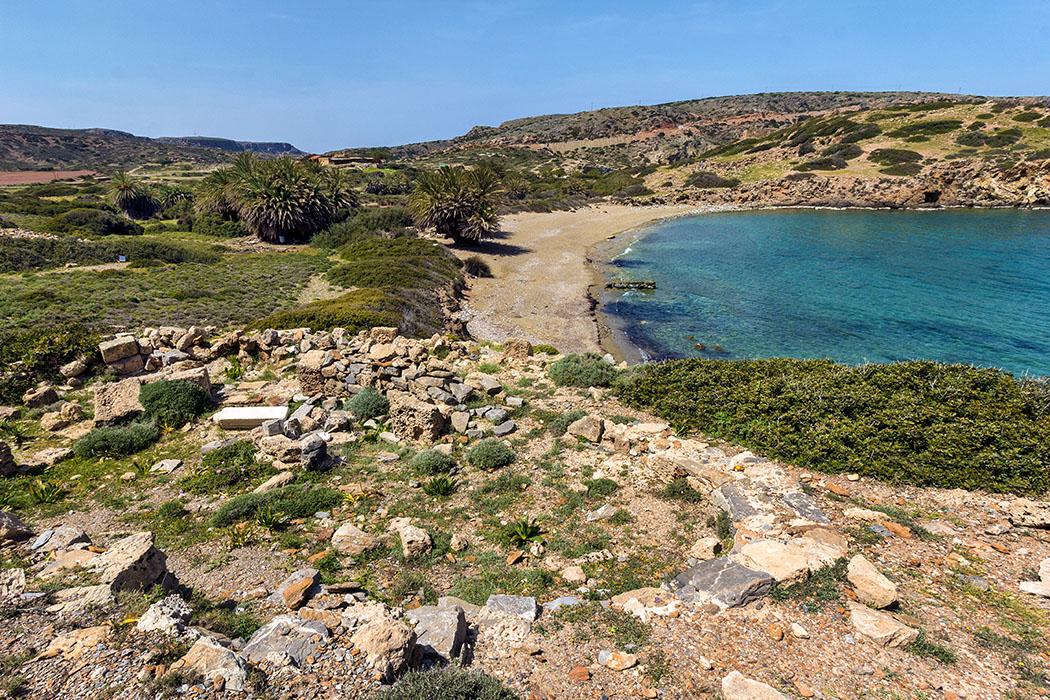 reise-zikaden.de - Monika Hoffmann: Greece, Crete, Lasithi, Itanos, Ruins, Palms, Beach.